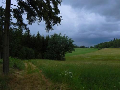 Od hor se ženoucí bouřka